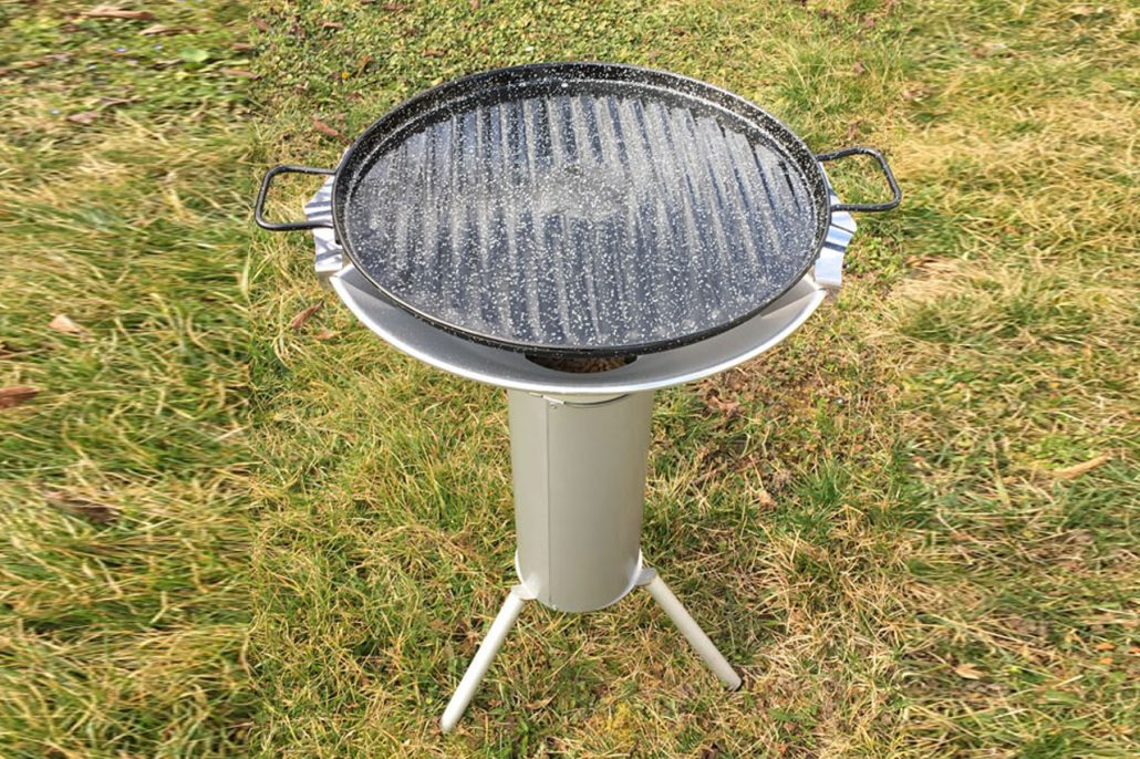 Barbecue pellets tripode